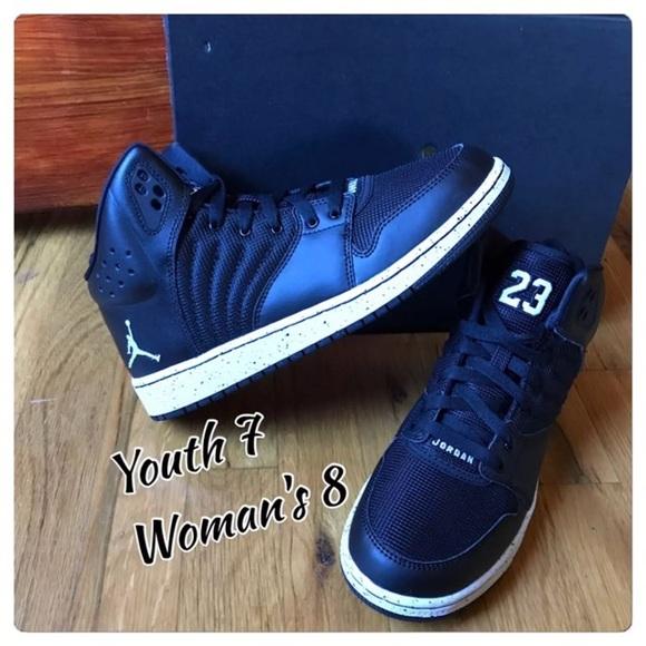 1a452855976e3b Youth Size 7 Jordan Sneakers. NWT. Nike
