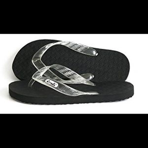 e4cd40a4537 locals Shoes - NEW LOCALS FLIP FLOP SANDALS
