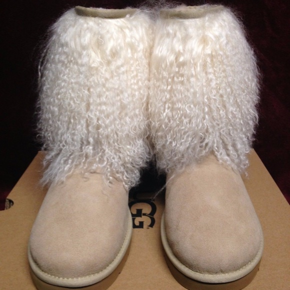 e64a3c7ee03 UGG CLASSIC SHORT CUFF MONGOLIAN FUR BOOT 11 New NWT