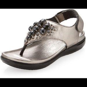 Donald J. Pliner Hilton Beaded Thong Sandals 9.5