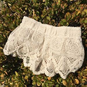 Cream lace Surf Gypsy shorts!! <3