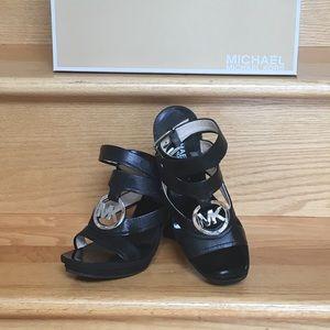 Michael Kors Warren mid platform shoe 7M