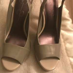 "5/25 🍁 Jessica Simpson taupe 4"" heels size 8"