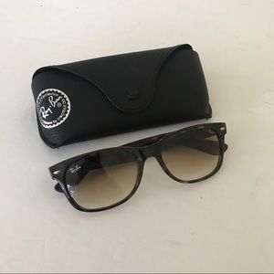 Ray Ban New Wayfarer 2132 Worn Once