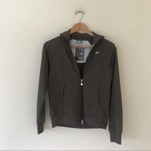 Womens Nike Zip Up Top Small - New
