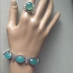 Jewelry - Beautiful aqua chalcedony set