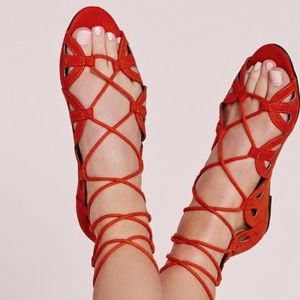 BRAND NEW MISSGUIDED SCALLOPED LACE-UP SANDALS