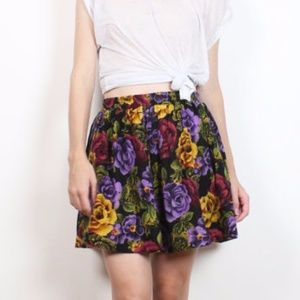 Vintage 90s Skater Floral High Waisted Mini Skirt