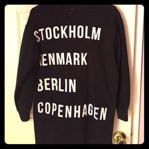 Cool long sweatshirt