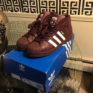 c9f5cac72003 Adidas Shoes - Burgundy Hi-top Shell Top Adidas. Worn once!