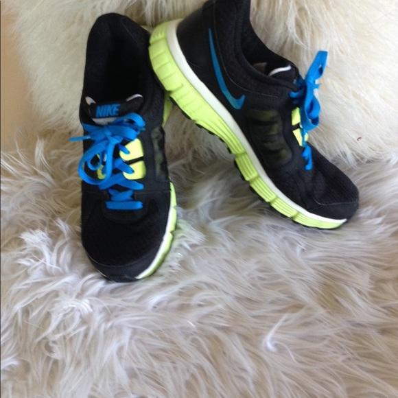 Nike Dual Fusion Sneakers