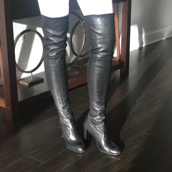 14b411cfad7 Stuart Weitzman Highlander in black leather. M 59d0168356b2d682f006763a