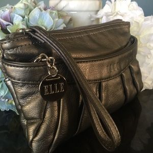 Elle leather wristlet with credit card slots