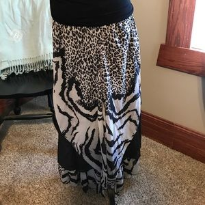 PRINTS ARE IN! Pretty Angle pants NWT
