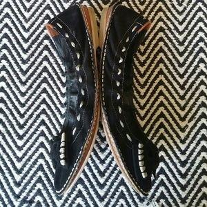 B. MAKOWSKY Leather Flats