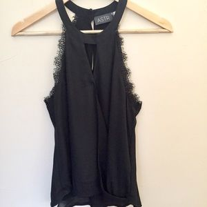 New ASTR High-Neck High Low Tank Top Black