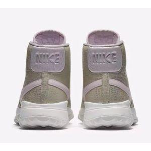 the best attitude 2cd93 1258a Nike Shoes - Women s NIKE Blazer Hi Top Golf Shoes Sz 8