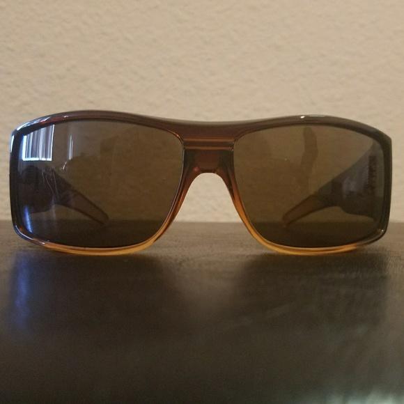 6269dbeed4 Spy Optics Clash sunglasses. M 59d03282d14d7b6de106f902