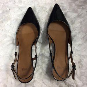 14th & Union  Black patent leather slingback heel