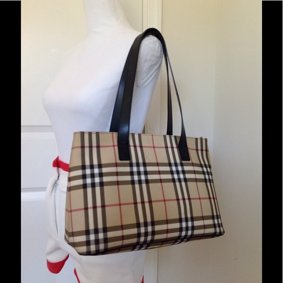3f4ccd246a833 Burberry Handbags - GUC classic Burberry nova check tote handbag
