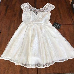 NWT Arden B. Off white dress Medium