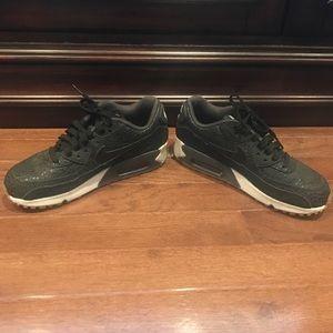 Nike Airmax Black Sneakers Size 6
