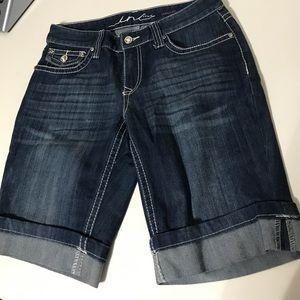 Pants - INC  International concept s short Jeans size 6