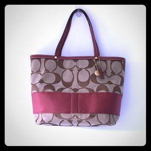🚺✨NEW✨ COACH Classic Big C Bucket Bag