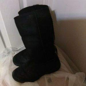 1d9cb0bf239 Tall ugg boots with grey braid down the back.
