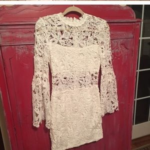 White lace bell sleeve