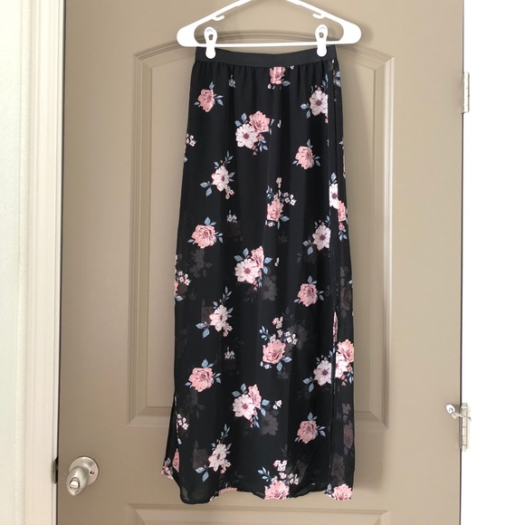 Confirm. H m floral skirt