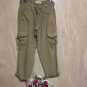 OLD NAVY Cargo Cropped Pants