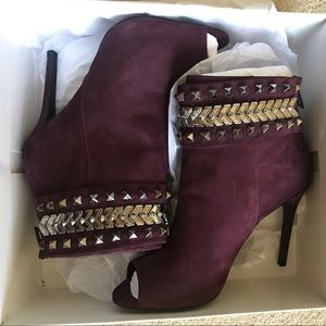 BNWT Schutz designer stiletto booties