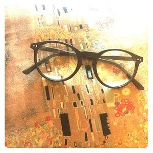 Non-prescription fashion eyeglasses.