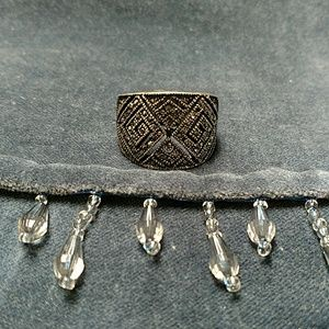 Jewelry - Bling stretch ring