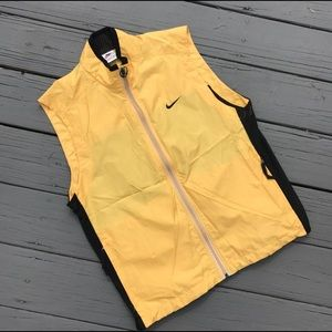 08a1be6a49c ... Vintage Nike vest with mesh back ...