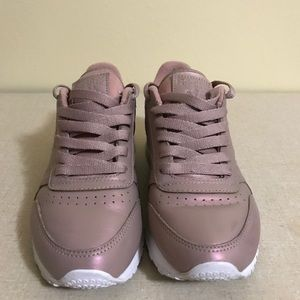 Basura cobertura entrevista  Reebok Shoes | Reebok Classic Leather Pearlized Rose Goldwhite | Poshmark