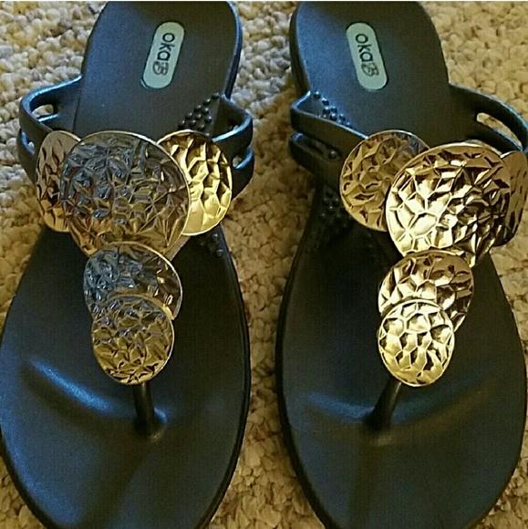 9b84f7e0b10fc9 NWT OKA b. Size 6 silver   black sandals
