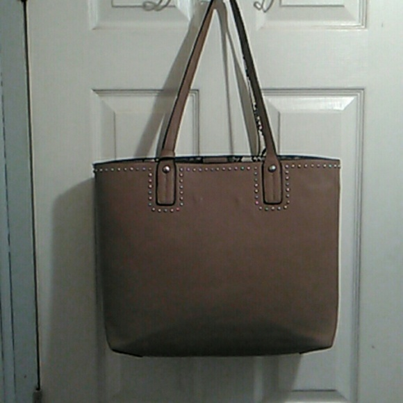 b2ab59dc2d Handbags - Womans tote bag Sale !! Buy 2 get 1 free!