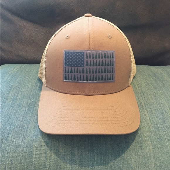 8c4c96a560e Columbia Other - Columbia Flex Fit trucker hat.