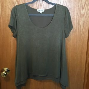 Tops - Khaki colored top • loose/flowy look