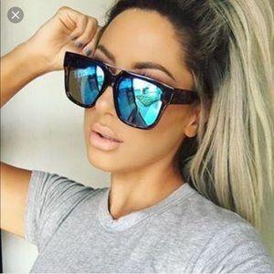 Quay X Chrisspy Mila Sunglasses Tortoise Blue