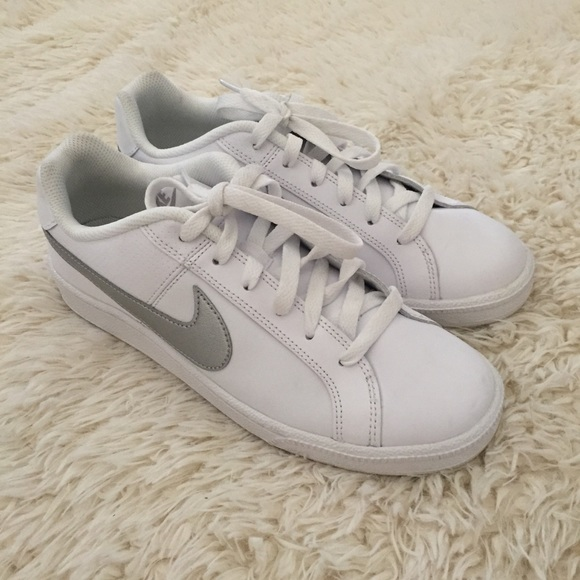 Nike Court Royal Sneakers