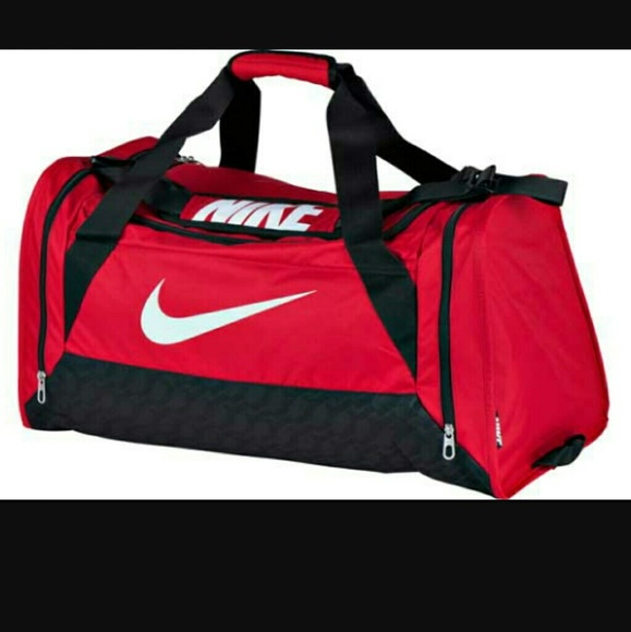 e5c6b4e49876 Nike Brasilia 6 Medium Duffle Bag