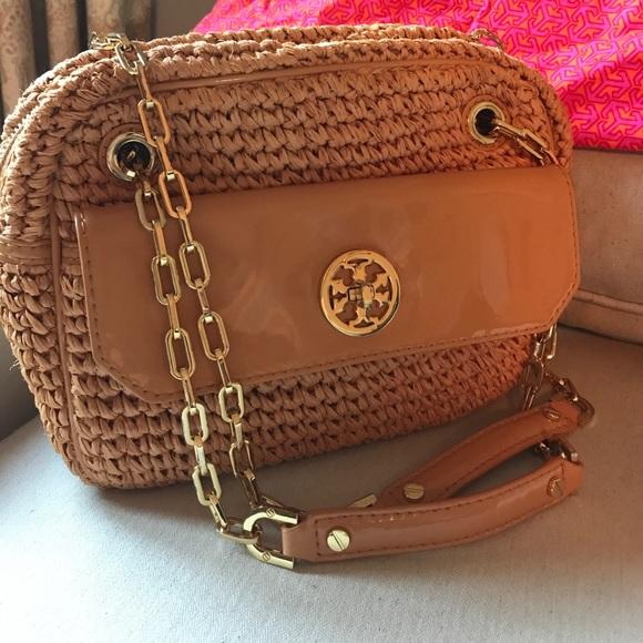 12f16997e6fa Tory Burch Straw Chain Link Shoulder Bag. M 59d14c0c8f0fc4919d0a7b30