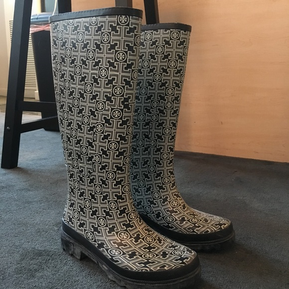 Tory Burch Shoes Patterned Rainboots Poshmark Custom Patterned Rain Boots