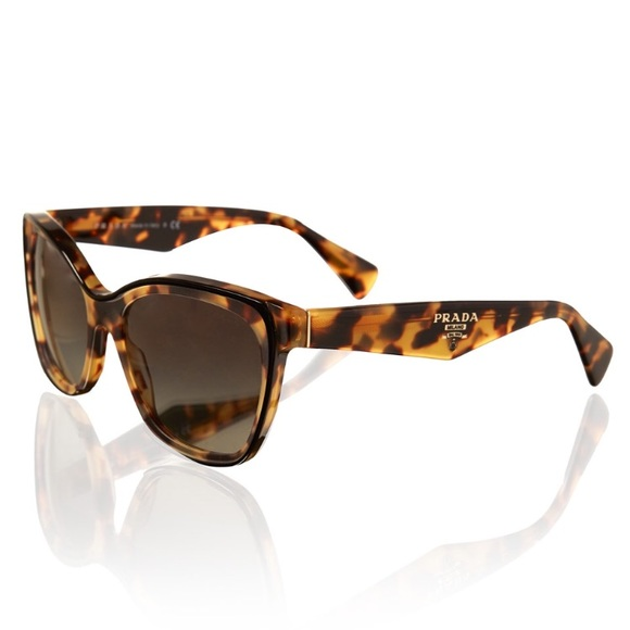 1243b378f Women's tortoiseshell Square Cat Eye Sunglasses. M_59d1574bb4188e43340ab697