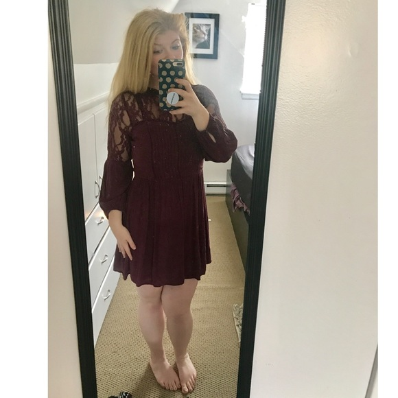 American Eagle Outfitters Dresses & Skirts - American Eagle long sleeve maroon dress