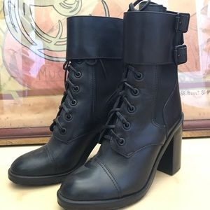 Tory Burch boots Sz 7.5