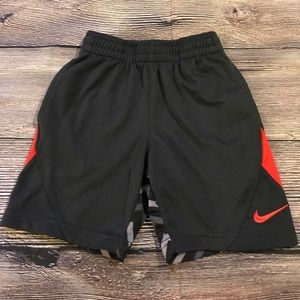 Boys Nike shorts Sz 5.